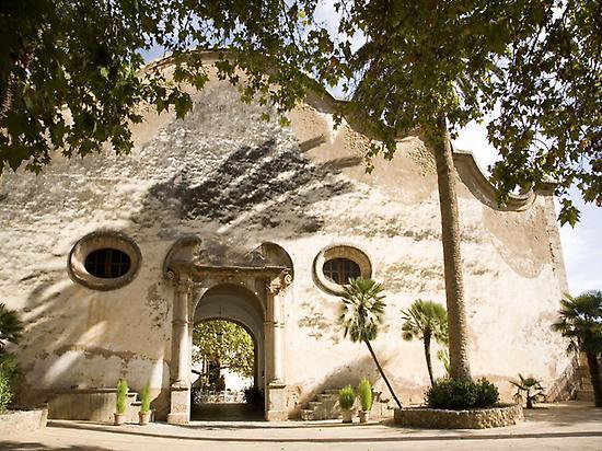 The Facade - Jardines de Alfabia