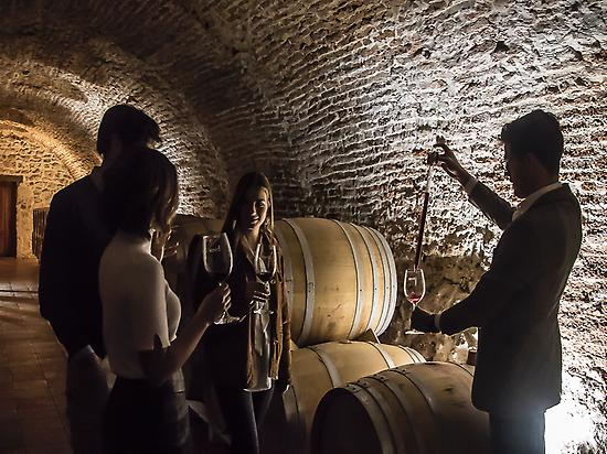 An exclusive tasting in barrel