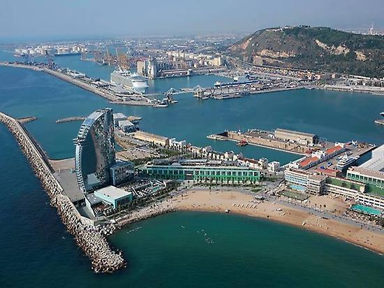 Sobrevuela Barcelona en helicóptero