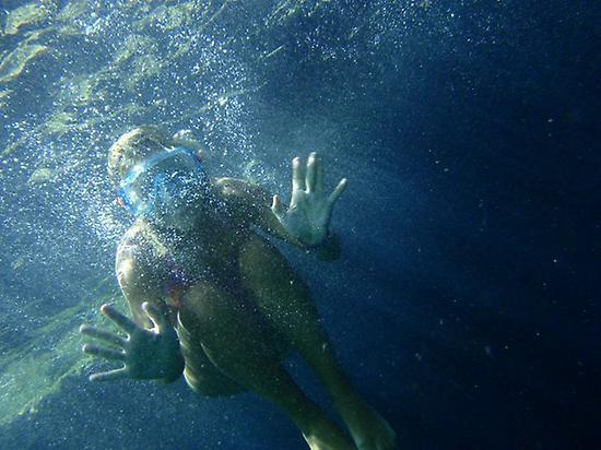 Haciendo snorkel durante la excursión