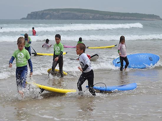 Surf camp for children in Somo beach