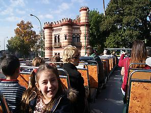 Enjoy Seville with tourist buses!