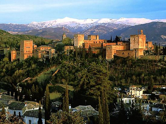 Alhambra + Albaycin and Sacromonte Tour