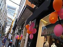 Calle Cuna, típica calle de compras.
