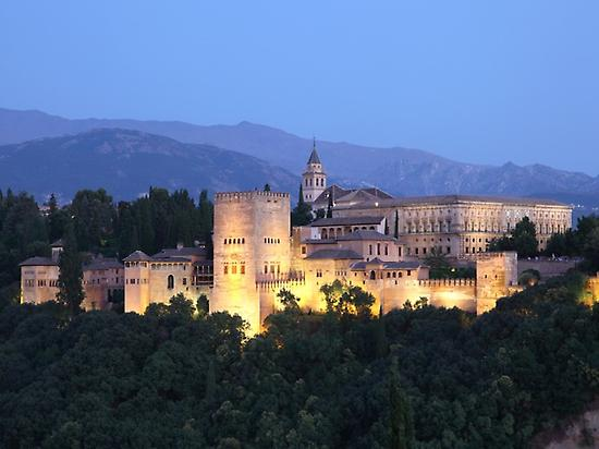 ALHAMBRA ILLUMINATED