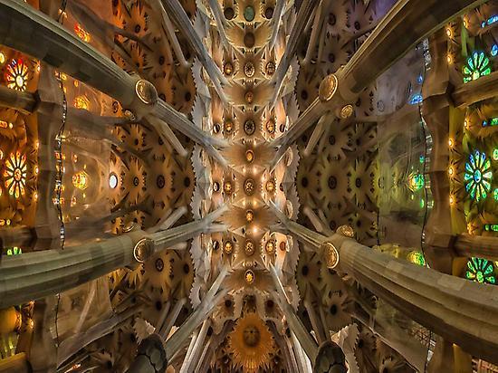 Tour Gaudí(hascelsax- Flickr)