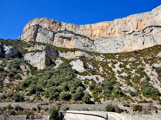 Geo-route  Cienfuens cliffs