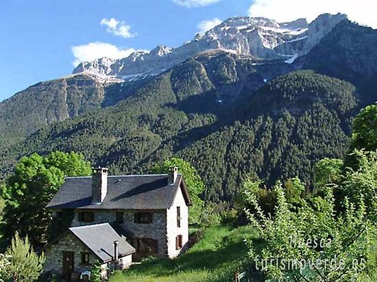 Pyrenees, a film destination.