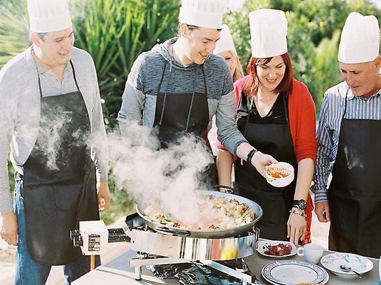 The Pleasureof cooking your paella.