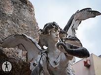Angel del silencio monument