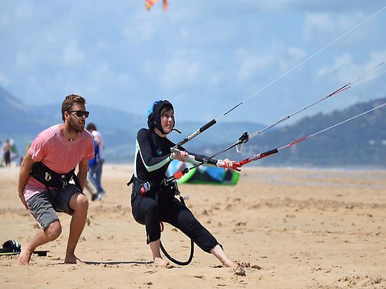 Kite control on the beach