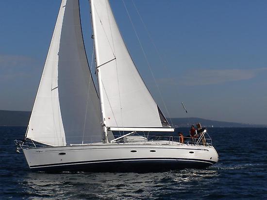 Navegando a toda vela por Ibiza