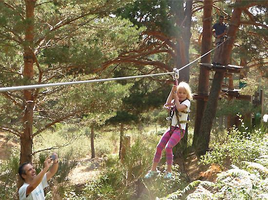 Several zip lines in all the routes!