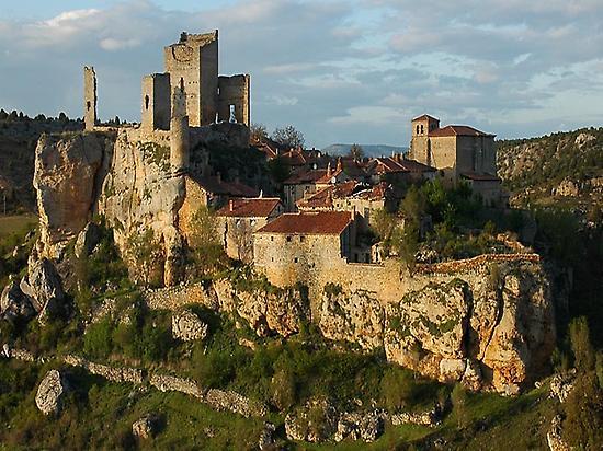 Castillos y fortalezas.