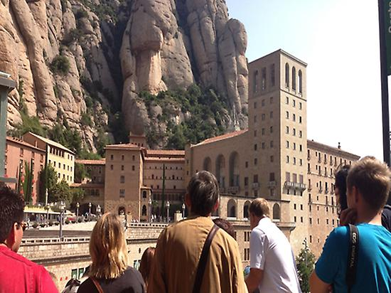 Montserrat, Tapas and Wine (morning tour