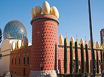 Figueres, Dalí y Girona