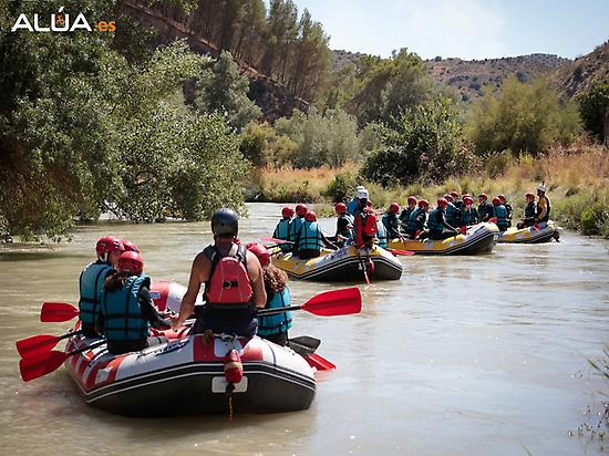 Rafting - Group of adults and childs