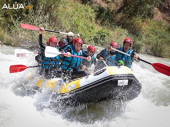 Rafting - Group of friends