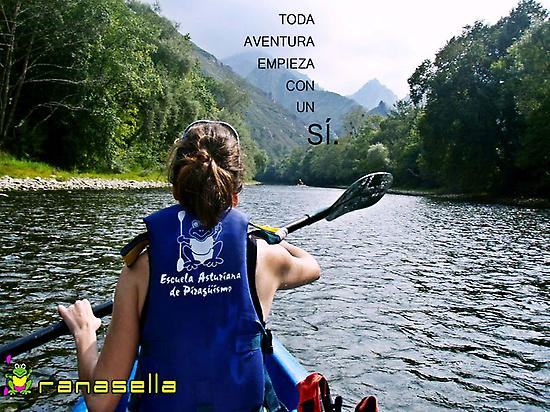 Decline of the river Sella by canoe.