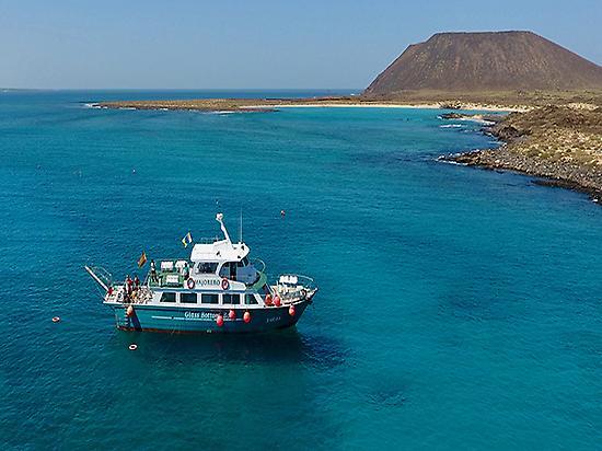 Barco Majorero en Isla de Lobos