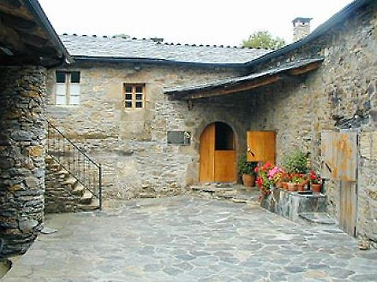 Rural House in Triacastela