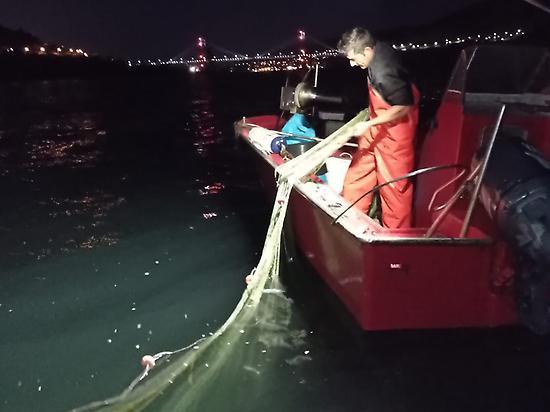 Enjoy Fishing with Traditional Fishermen