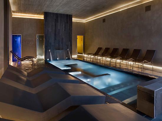 spa with hot pool and special rooms