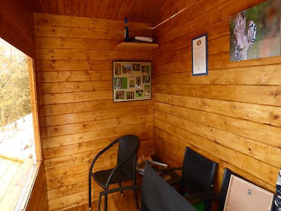 Inside de hide