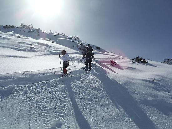 Intermediate snowshoes route in León