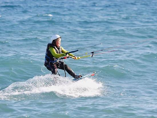 Kitesurf beginners course in Almería