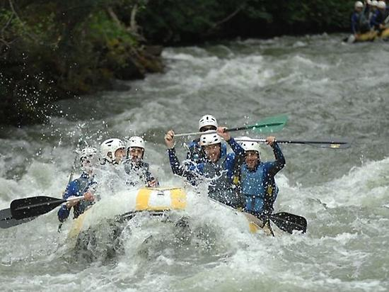 Rafting in Ebro river (Cantabria)