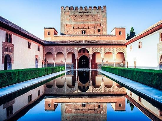 Nasrid Palace private tour La Alhambra