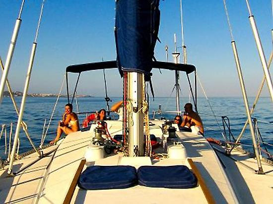 3 hours sailing with friends in Malaga